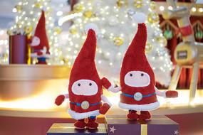 两个圣诞玩偶