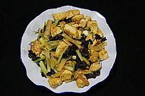 家常菜豆腐芹菜