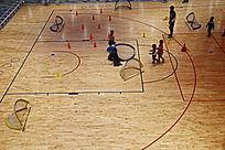 室内儿童篮球场