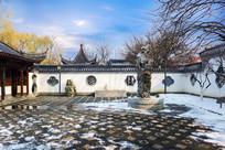 中国传统建筑庭院雪