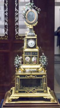 铜镀金跑人水法转花钟