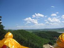 蓝天白云青山自然风景图片