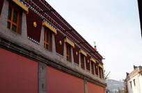 寺庙鞭麻墙藏窗