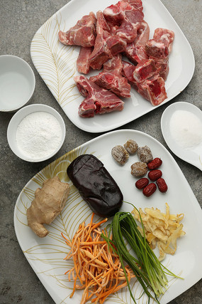 虫草花玉竹炖龙骨蜜枣糯米糕食材