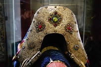 金箔和宝石装饰的贵族马鞍