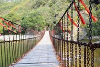 长长的铁索桥高清图