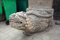 传统赑屃石雕特写图