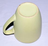 倒置的陶瓷茶具图片