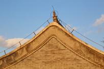 青砖墙屋檐