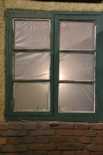 塑料纸木窗背景