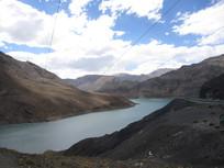 高山河流风景图片