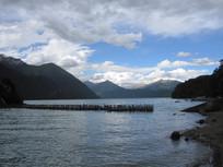 湖泊山水风景图片
