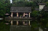 湖泊房子倒影风景图片