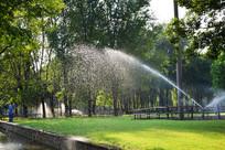 绿色园林喷洒灌溉