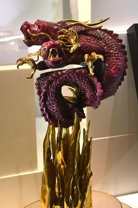 坦桑红宝石雕龙