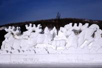 民间艺术雪雕驯鹿