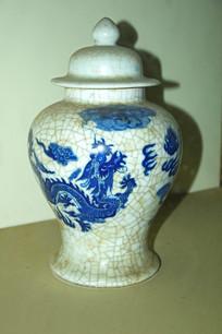 青瓷龙纹陶瓷罐