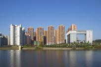 青秀湖岸建筑景观