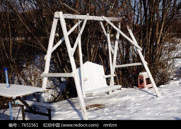湿地公园座椅秋千