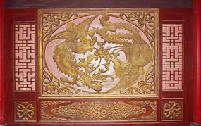 古典的凤凰戏牡丹图