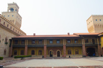 二层城堡建筑