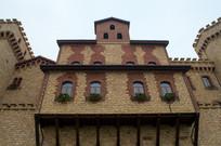 三层城堡式建筑