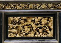 清代金漆木雕梅花喜鹊花板