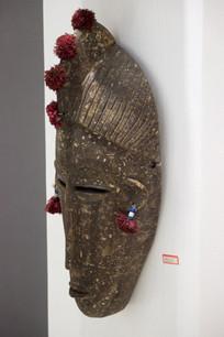 馆藏女性木面具