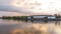 夕阳下的江南城建筑