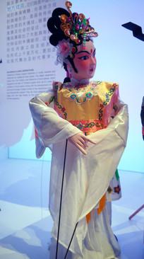 湖南长沙地区木偶戏《金鳞记》之金小姐母亲