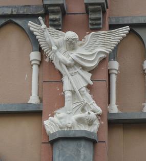 男天使与撒旦雕像