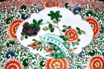 瓷器上的花卉图案