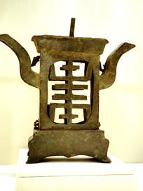 清代铜制文字纹烛台