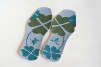 一双工艺鞋垫