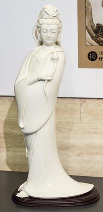 菩萨瓷器塑像