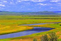 河湾秋季牧场风光