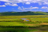 蓝天河流湿地