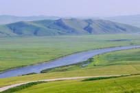 牧场河流风景
