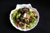 家常菜木耳青椒炒肉片