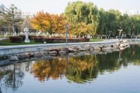 雕塑公园湖水雕塑