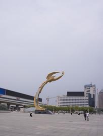 沈阳的象征太阳鸟雕塑