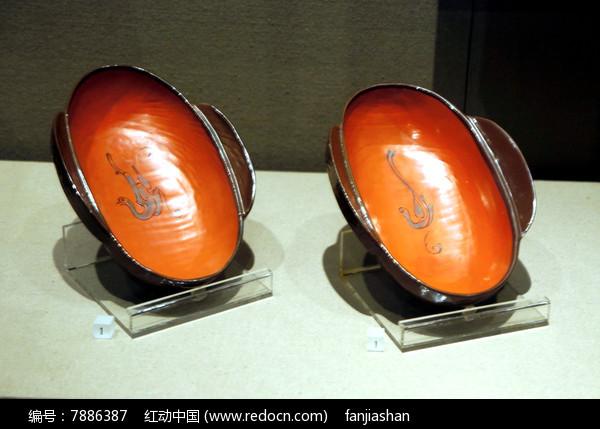 西汉时期鸟形漆木耳杯图片