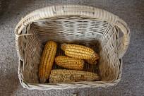 农家玉米篮子