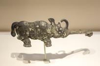 错金银犀牛青铜带钩