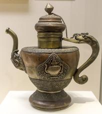 藏族龙柄铜执壶