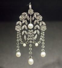 多颗珍珠饰品