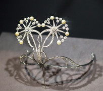 珍珠花形头饰品