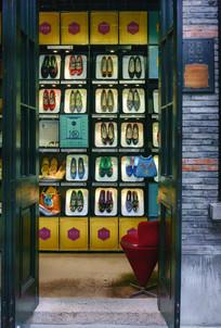 中国民族特色绣花鞋