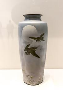 野菊飞鸟纹七宝珐琅瓶