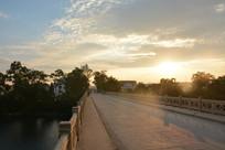 两江镇大桥的日出